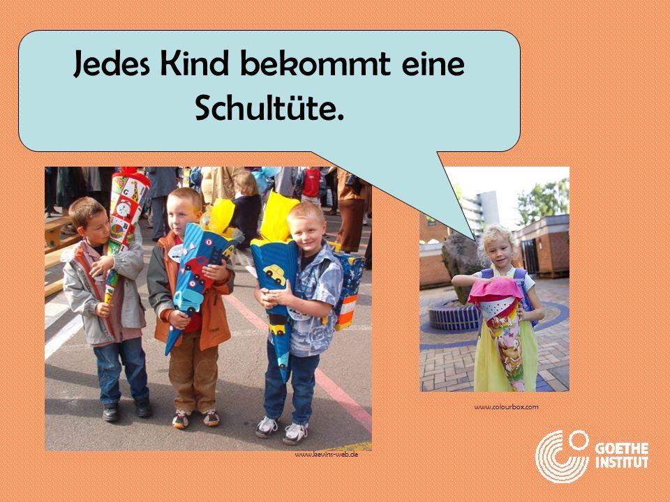 Jedes Kind bekommt eine Schultüte. www.colourbox.com www.kevins-web.de