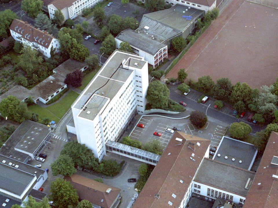 ZKI, März 0426Dipl.-Inform Hans Dieter Petersen Services