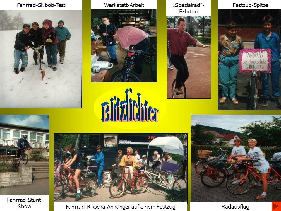 Festzug-Spitze Radausflug Spezialrad- Fahrten Werkstatt-Arbeit Fahrrad-Skibob-Test Fahrrad-Stunt- Show Fahrrad-Rikscha-Anhänger auf einem Festzug
