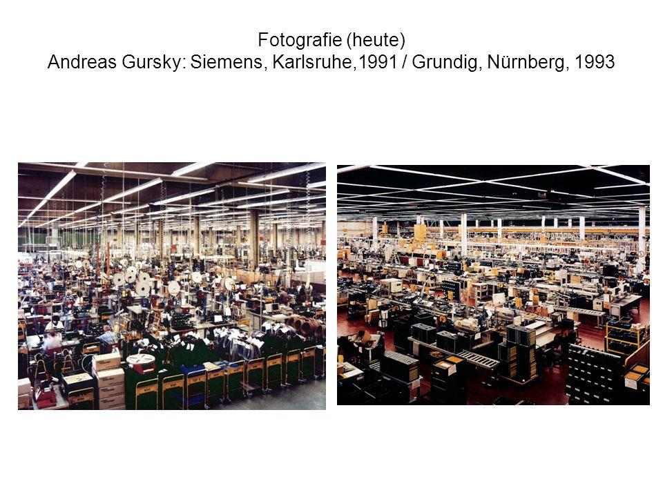 Fotografie (heute) Andreas Gursky: Siemens, Karlsruhe,1991 / Grundig, Nürnberg, 1993