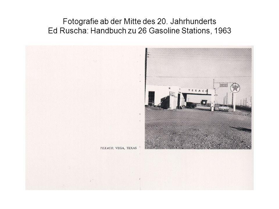 Fotografie ab der Mitte des 20. Jahrhunderts Ed Ruscha: Handbuch zu 26 Gasoline Stations, 1963