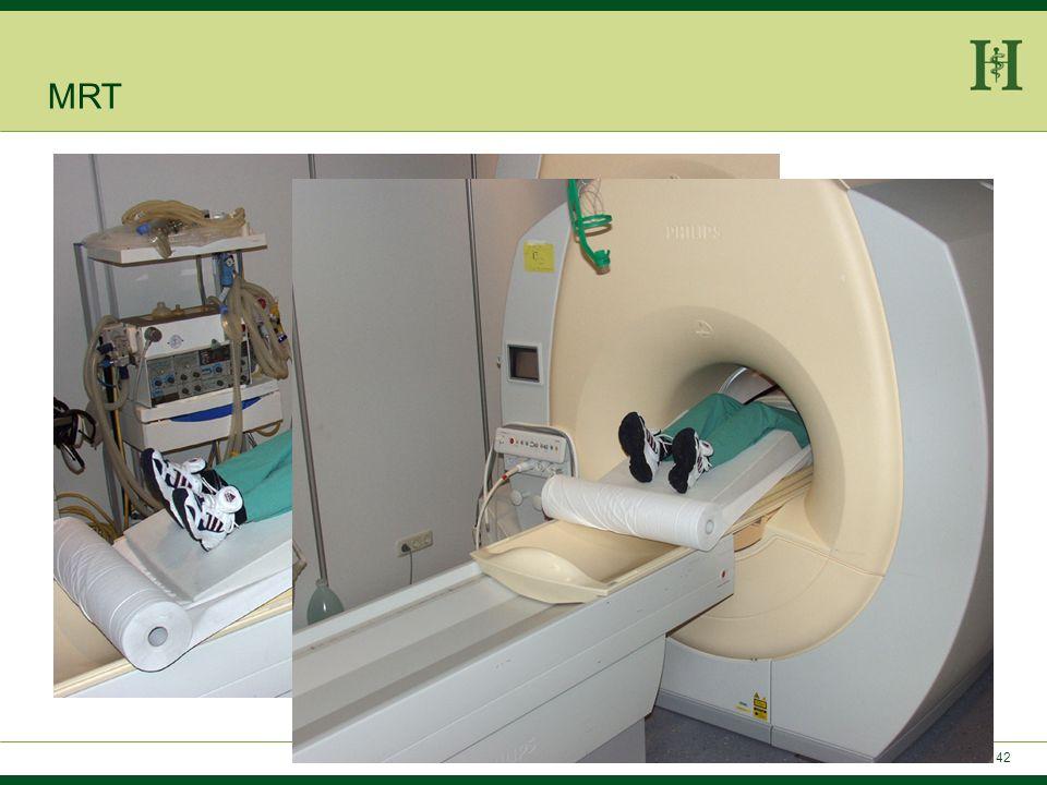 41 Patientenvorbereitung: -Nüchtern am Untersuchungstag -Orale und rektale Kontrastierung mit Wasser (Mannitol) -I.v. Buscopan -Ggf. i.v.-Kontrastmitt