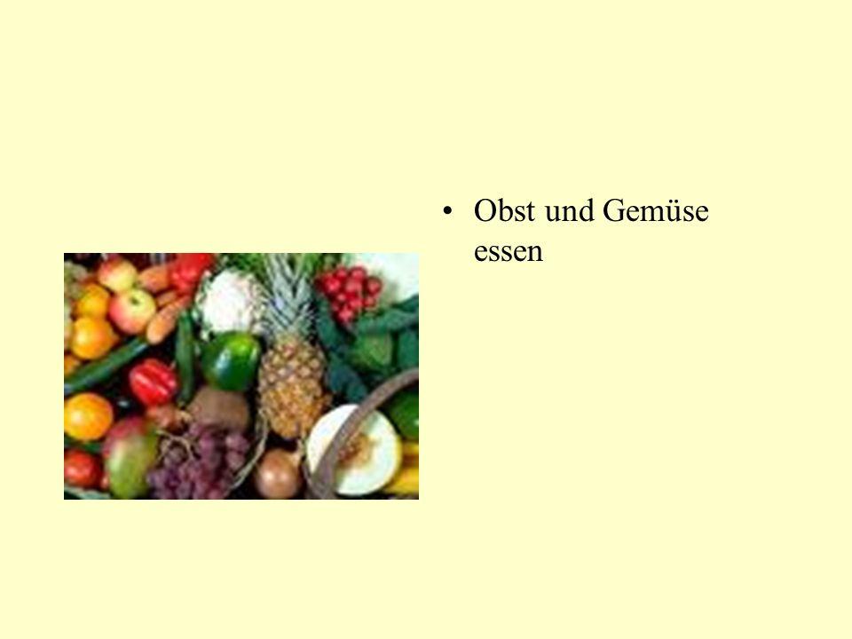 Obst und Gemüse essen