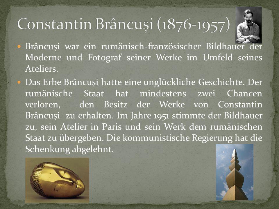 Brâncuși war ein rumänisch-französischer Bildhauer der Moderne und Fotograf seiner Werke im Umfeld seines Ateliers.