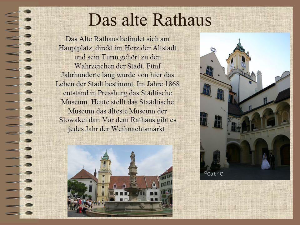 Das alte Rathaus Das Alte Rathaus befindet sich am Hauptplatz, direkt im Herz der Altstadt und sein Turm gehört zu den Wahrzeichen der Stadt. Fünf Jah