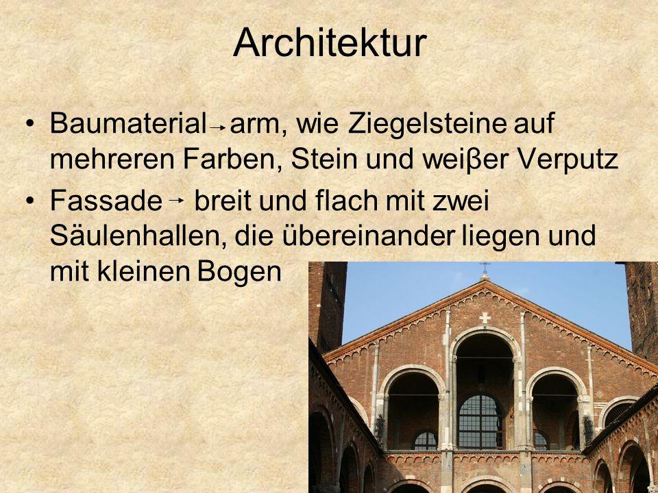Das Mittelschiff hat Kreuzgewölbe und Rippen (costoloni) Emporen in den Seitenschiffen.