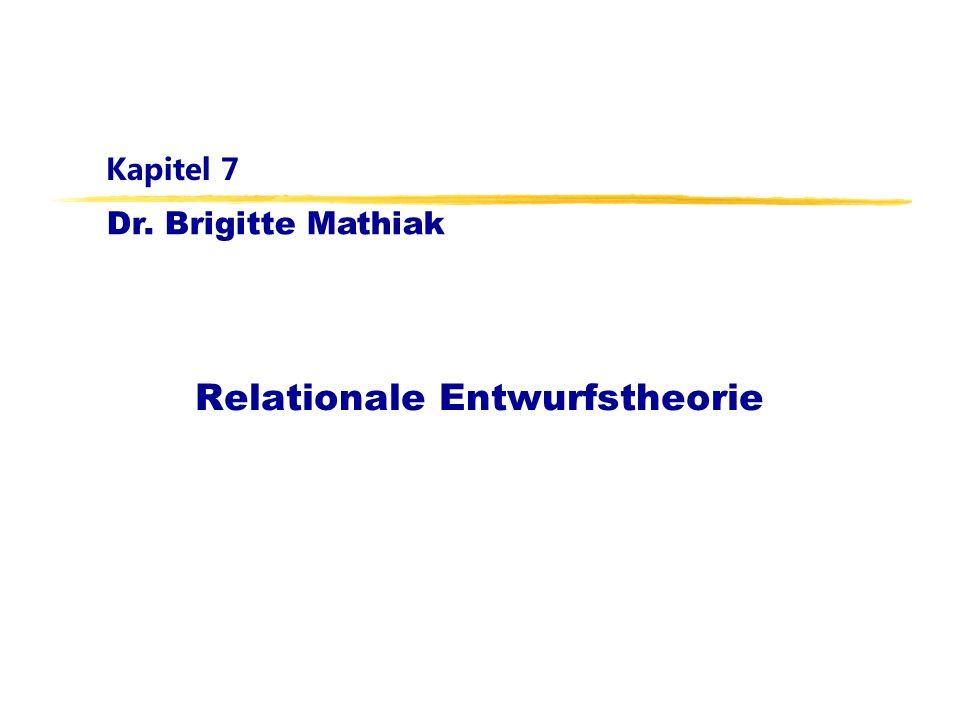 Datenbanken für Mathematiker, WS 11/12Kapitel 7: Relationale Entwurfstheorie2 Lernziele Charakterisierung guter relationaler Schemata: -jede Relation entspricht genau einer Objektmenge - eventuell unter Einbezug von N:1- oder 1:1-Relationships - oder genau einer Relationship-Menge zwischen Objekten - Redundanz ist eliminiert, alle Informationen sind repräsentierbar, und es treten keinerlei Änderungsanomalien auf a) Änderungen können bei Beachtung der Primärschlüssel- und Fremdschlüsselbedingung keine Inkonsistenzen hervorrufen b) alle Informationen lassen sich unter Wahrung der Primärschlüssel- und Fremdschlüsselbedingung (ohne Kunstgriffe ) einfügen c) Informationen können einzeln wieder gelöscht werden, ohne die Primärschlüssel oder Fremdschlüsselbedingung zu verletzen Ausnahmen wenn schlechte Schemata sinnvoll sind