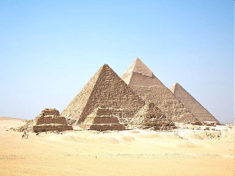 Gliederung Der Pyramidenkomplex Mykerinos-Pyramide Chephren-Pyramide Cheops-Pyramide –Der Querschnitt im Überblick Die Sphinx