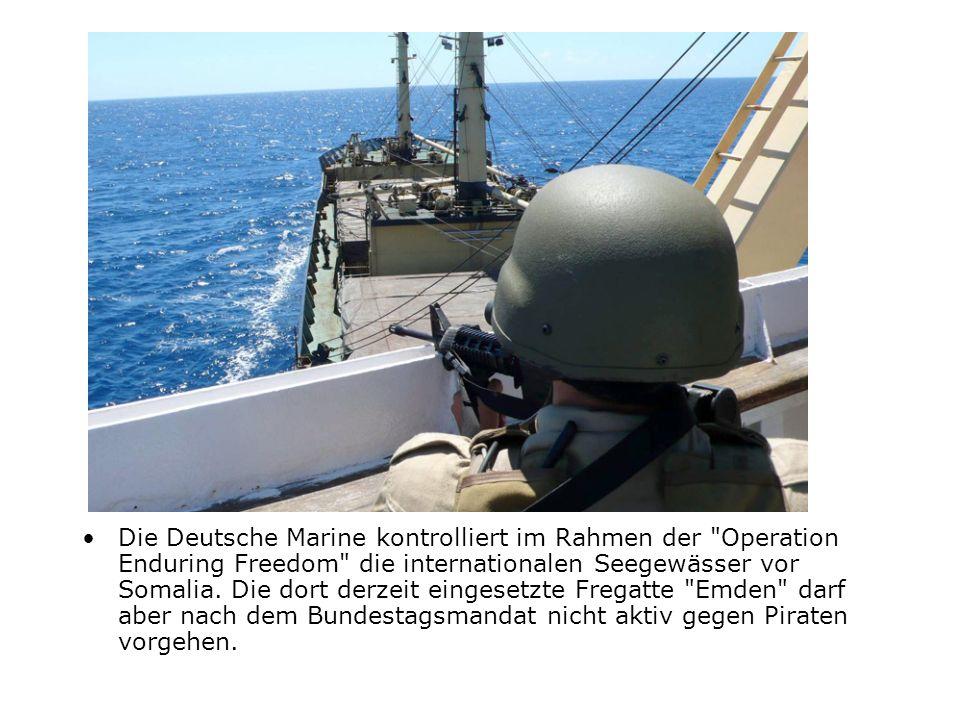 Die Deutsche Marine kontrolliert im Rahmen der
