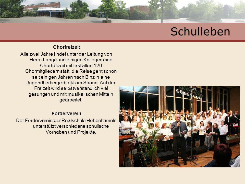 Schulleben Chorfreizeit Alle zwei Jahre findet unter der Leitung von Herrn Lange und einigen Kollegen eine Chorfreizeit mit fast allen 120 Chormitglie