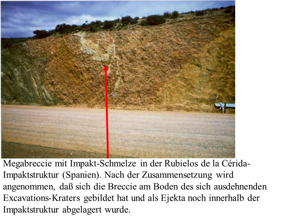 Megabreccie mit Impakt-Schmelze in der Rubielos de la Cérida- Impaktstruktur (Spanien). Nach der Zusammensetzung wird angenommen, daß sich die Breccie