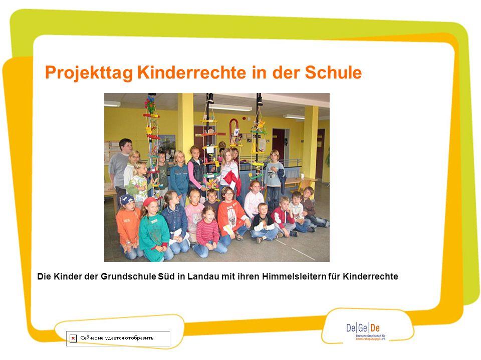 Projekttag Kinderrechte in der Schule Die Kinder der Grundschule Süd in Landau mit ihren Himmelsleitern für Kinderrechte