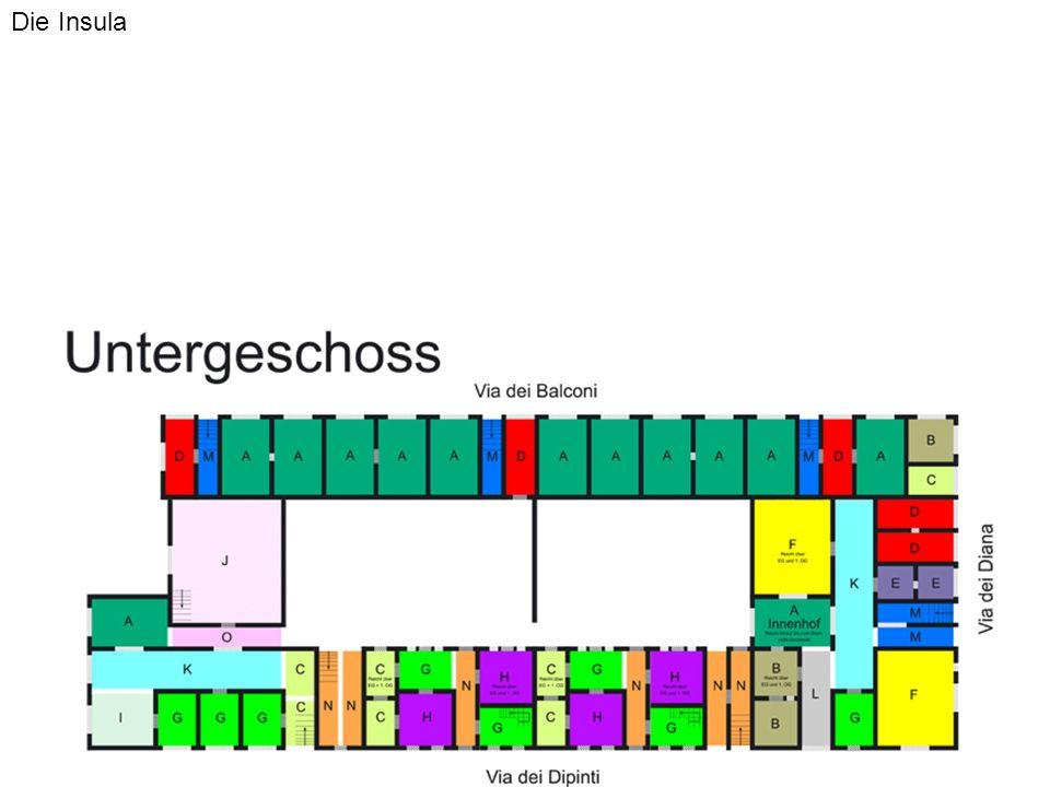 Weiterführenden Überlegungen Um die Fehlerfreiheit in späteren Umsetzungen zu gewährleisten ist eine DTD notwendig, die folgende Punkte leistet -Die einzelnen Obermodule (Ladenstrasse, Wohnhaus etc.) müssen in ihrem Verhältnis zueinander immer mit den Verhältnissen des Originalentwurfes übereinstimmen, da sonst keine Symmetrie des Gebäudes erreicht werden kann -Die Längenmaße der Erdgeschoßmauern dürfen von keiner direkt über ihnen in einem oberhalb gelegenem Stockwerk stehenden Mauer überschritten werden -Mauern im zweiten Stock dürfen, um die Simulation realistischer erscheinen zu lassen nur an Stellen stehen, an denen auch im Erdgeschoss Mauern stehen