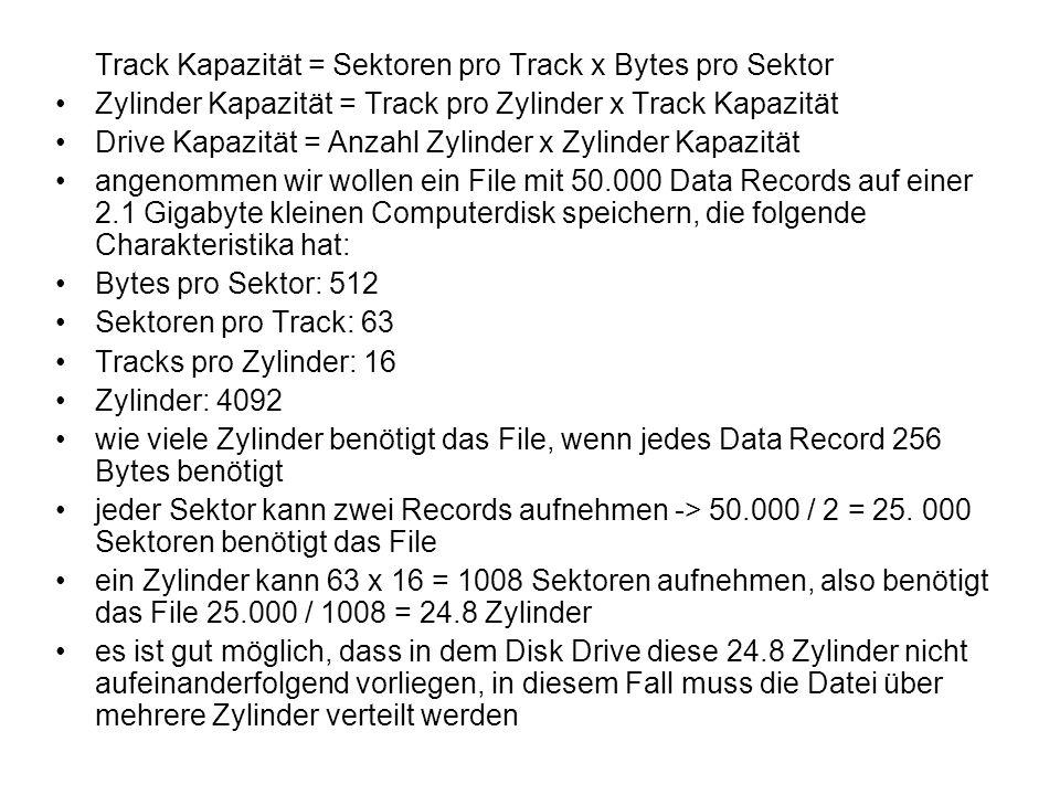 3.1.3 Track nach Sektoren ordnen - zwei wesentliche Arten, Daten auf einer Disk zu organisieren: nach Sektoren oder nach User - definierten Blocks -Organisation nach Sektoren wird im Folgenden genauer untersucht Physikalische Anordnung von Sektoren -Sektoren sind benachbarte Segmente von fixer Größe auf einem Track, die ein File speichern -diese Art, Sektoren logisch zu beschreiben mag zutreffen, jedoch sollte man physikalisch anders mit Sektoren umgehen -> diese können häufig nicht nacheinander gelesen werden -nachdem der Disk Controller Daten gelesen hat, benötigt er häufig etwas Zeit diese zu verarbeiten bis er weitere Informationen aufnehmen kann wenn logisch aufeinanderfolgende Sektoren einer Datei auch physisch aufeinander folgten, so würde man vermutlich den Beginn des folgenden Sektors verpassen -> ein Sektor pro Umdrehung lesbar -Lösungsversuch: interleaving von Sektoren -zwischen logisch benachbarten Sektoren wird physikalisch ein Interval weiterer Sektoren platziert -man spricht von einem Interleaving Factor -mittlerweile gibt es 1:1 interleaving -> sukzessive Sektoren sind auch physikalisch benachbart, in einer einzigen Umdrehung kann ein ganzer Track glesen werden