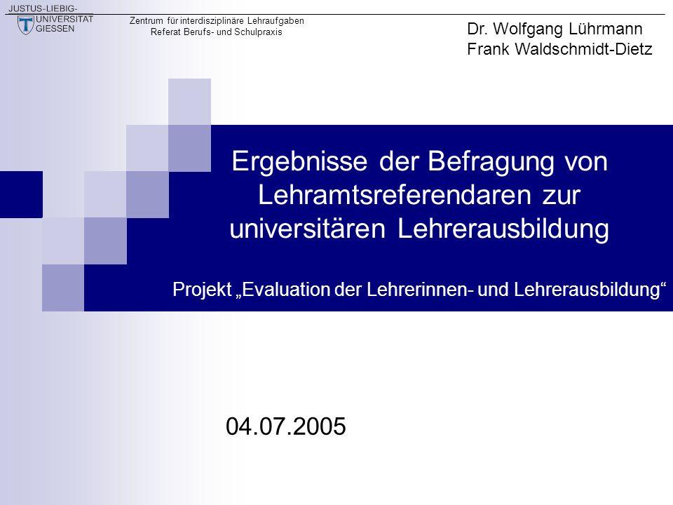 Zentrum für interdisziplinäre Lehraufgaben Referat Berufs- und Schulpraxis 2 Das Projekt Evaluation der Lehrerinnen- und Lehrerausbildung (EdeL) Verortung am Zentrum für interdisziplinäre Lehraufgaben, Referat Berufs- und Schulpraxis der JLU Giessen Finanzierung im Rahmen des Hochschul- und Wissenschaftsprogrammes (HWP) des Landes Hessen
