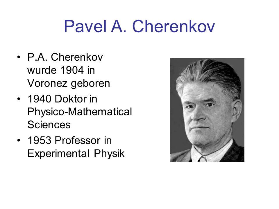 Intensität der abgestrahlten Strahlung Die Wahrscheinlichkeit, kein Cherenkov-Photon nachzuweisen, wird durch folgende Formel beschrieben: Nachweiswahrscheinlichkeit für ein Cherenkov-Photon: Relative Zahl der Photonen als Funktion der Teilchenenergie n = / max NnNn