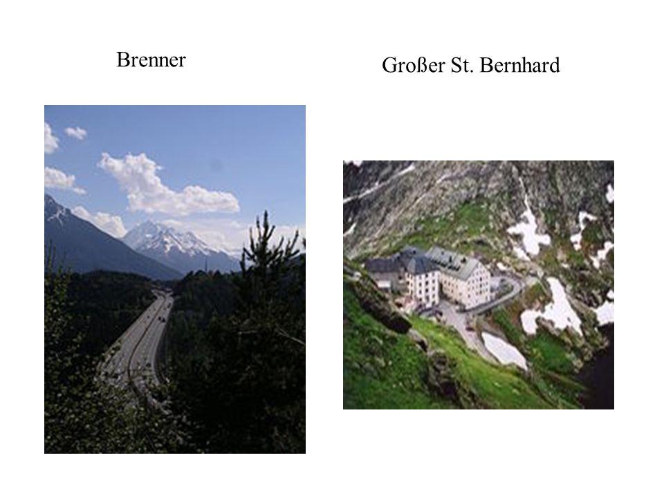 Tourismus Begann bereits im 19. Jahrhundert Seit 1965 Wintersporttourismus mit Bergbahnen und Liftanlagen (z.B. Kitzbüheler Alpen, St.Moritz) Bergstei