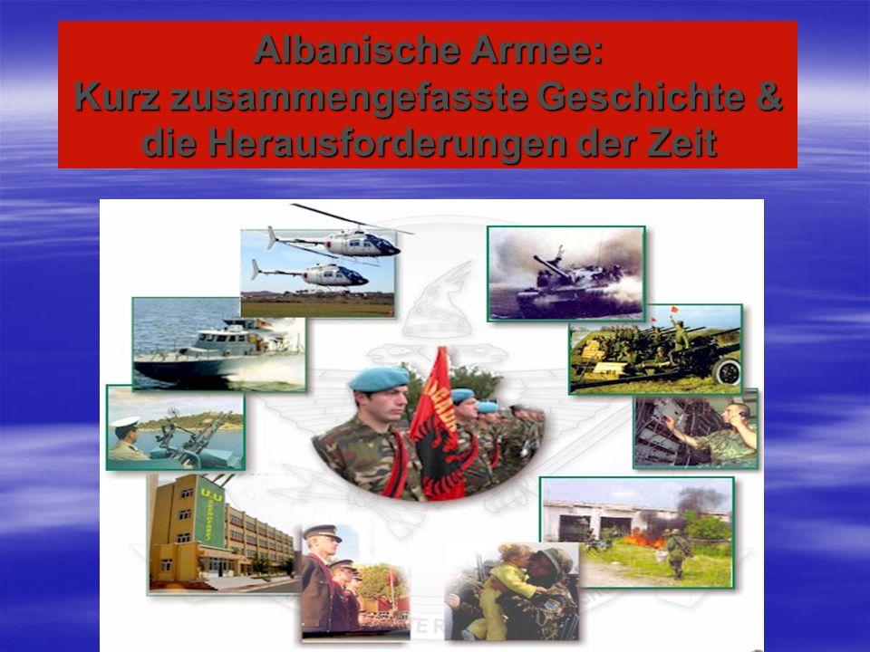 Vorstellung Latif Shurdhi, geboren 1973 in Albanien Latif Shurdhi, geboren 1973 in Albanien 1979-1987 8-jährige Pflichtschule in meinem Geburtsort 1979-1987 8-jährige Pflichtschule in meinem Geburtsort 1987-1991 Militärische Gymnasium in Tirana 1987-1991 Militärische Gymnasium in Tirana 1991-1994 Militärische Akademie in Tirana 1991-1994 Militärische Akademie in Tirana Ab 1994 verschiedene Verwendungen in albanischer Armee Ab 1994 verschiedene Verwendungen in albanischer Armee 1995-96 militärische Ausbildung in der Türkei 1995-96 militärische Ausbildung in der Türkei 1999-2004 in Deutschland (1 Jahr Deutsch in Köln; 1 Jahr Studienkolleg in München und 4 Jahre Studium in Hamburg an der BW-Uni 1999-2004 in Deutschland (1 Jahr Deutsch in Köln; 1 Jahr Studienkolleg in München und 4 Jahre Studium in Hamburg an der BW-Uni 2004-2009 wissenschaftlicher Mitarbeiter an der militärischen Universität und in der Führungsakademie in Tirana 2004-2009 wissenschaftlicher Mitarbeiter an der militärischen Universität und in der Führungsakademie in Tirana 2007 (August-September) Bataillonskommandeurlehrgang in Deutschland 2007 (August-September) Bataillonskommandeurlehrgang in Deutschland Ende 2009 bis jetzt in Deutschland, um an dem Lehrgang General- und Admiralstab mit Internationale Beteiligung teilzunehmen.