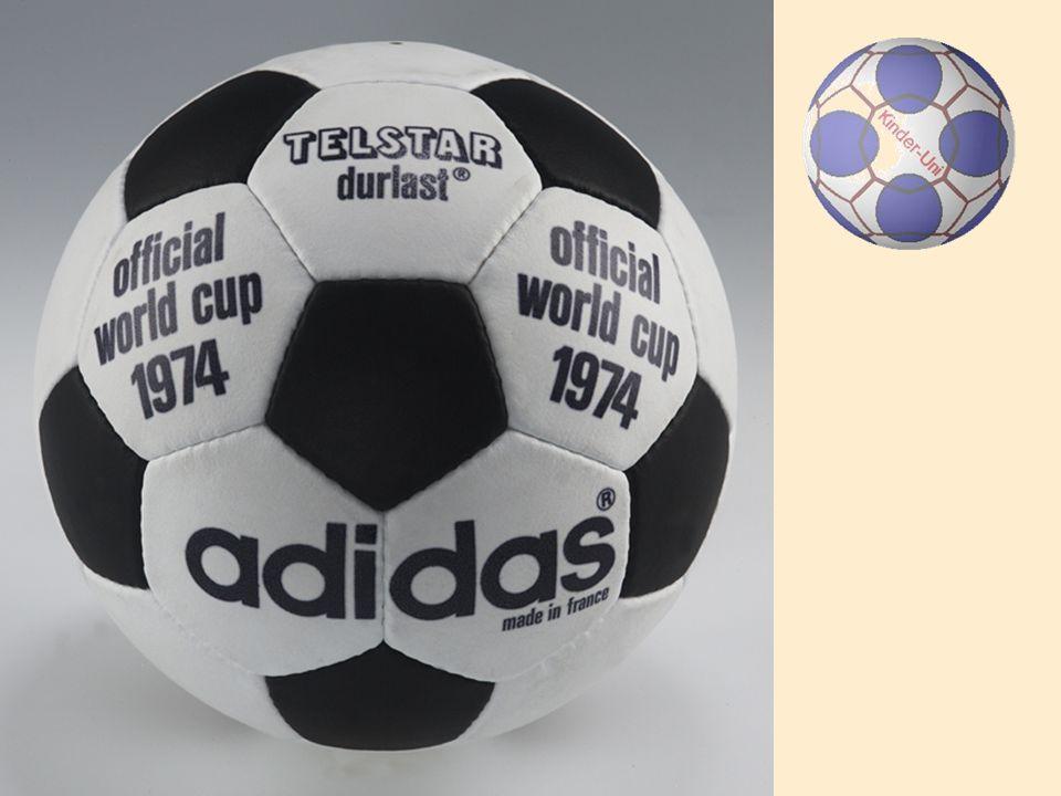 Mit wie vielen Stichen ist ein Fußball zusammen genäht?