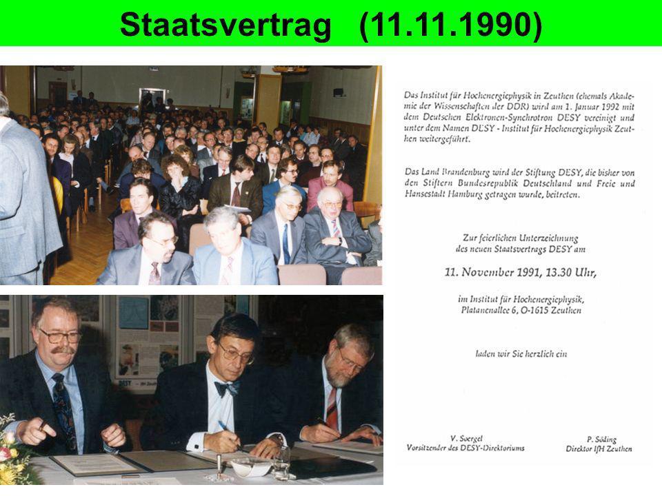 DESY IfH Zeuthen (ab 1.1.1992) Proportionalkammer Entscheidungen: Experimente: beendet fortgesetztbegonnen Neutrino-Kalorimeter L3 (CERN)Hermes (DESY) (Protvino, Russland) Neutrino-Tagging (1995) H1 (DESY)ZEUS (DESY) (Protvino, Russland) NA22, NA27 (CERN) Baikal (Russland)ARGUS (DESY) Modernisierung / Neuaufbau: Rechenzentrum mechanische Werkstattmit Ausbildung Elektronik-Werkstatt mit Ausbildung Heizungsanlage, Telefonzentrale Gebäusesanierung, Erweiterungs-, Neubauten Anpassung von Verwaltung, Materialwirtschaft an DESY Strukturen Leitung: P.Söding Stellvertr.: U.Gensch Forschung:C.Spiering