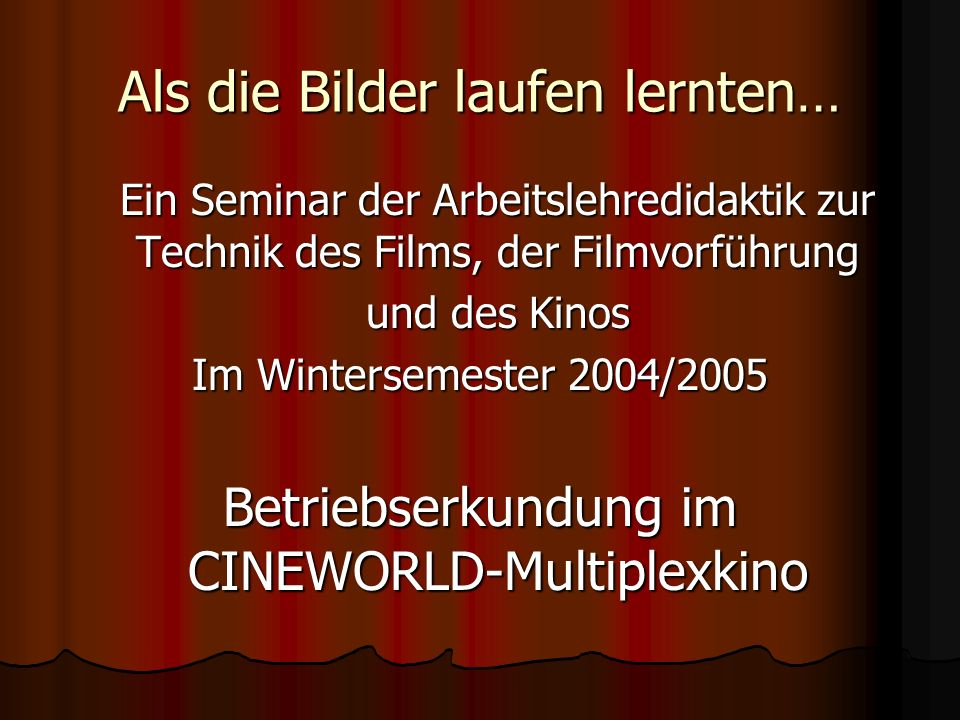 Der Kinosaal wird zum Hörsaal… Herr Lothar Michel erläutert die Technik der Filmprojektion, die Funktionen von Projektionsmaschinen, die verschiedenen Filmformate und die Tontechnik im Kino mit einer Power-Point-Präsentation im Kinosaal.