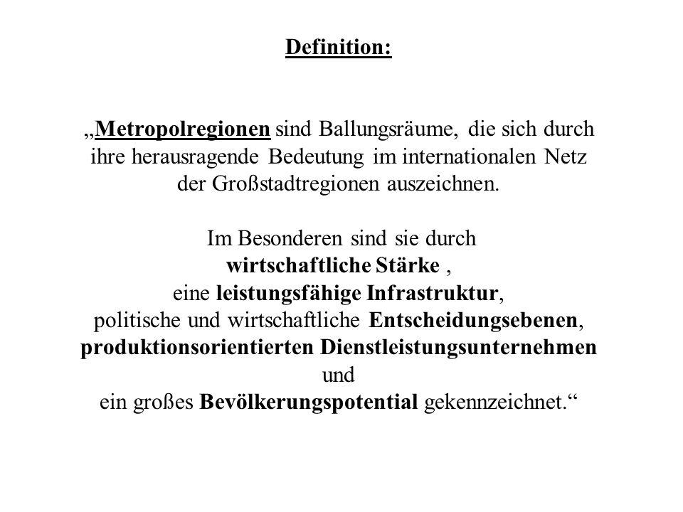 Headquarters global operierender Industrie- und Dienstleistungsunternehmen Region Frankfurt/Rhein-Main ist Spitzenreiter in Deutschland bei den Headquarters weltweit operierender Industrieunternehmen Unter den 500 umsatzstärksten Unternehmen befinden sich über 65 in dieser Region plus 16 der 50 umsatzstärksten amerikanischen Unternehmen Führender Medienstandort in Deutschland mit inter-/nationaler Bedeutung (s.