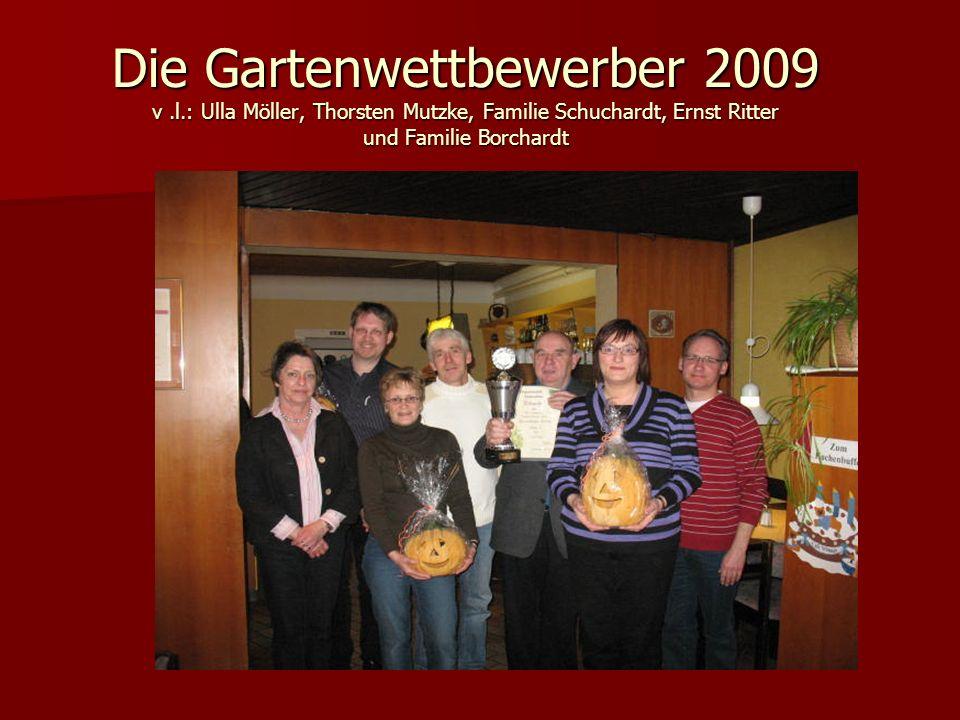Die Gartenwettbewerber 2009 v.l.: Ulla Möller, Thorsten Mutzke, Familie Schuchardt, Ernst Ritter und Familie Borchardt