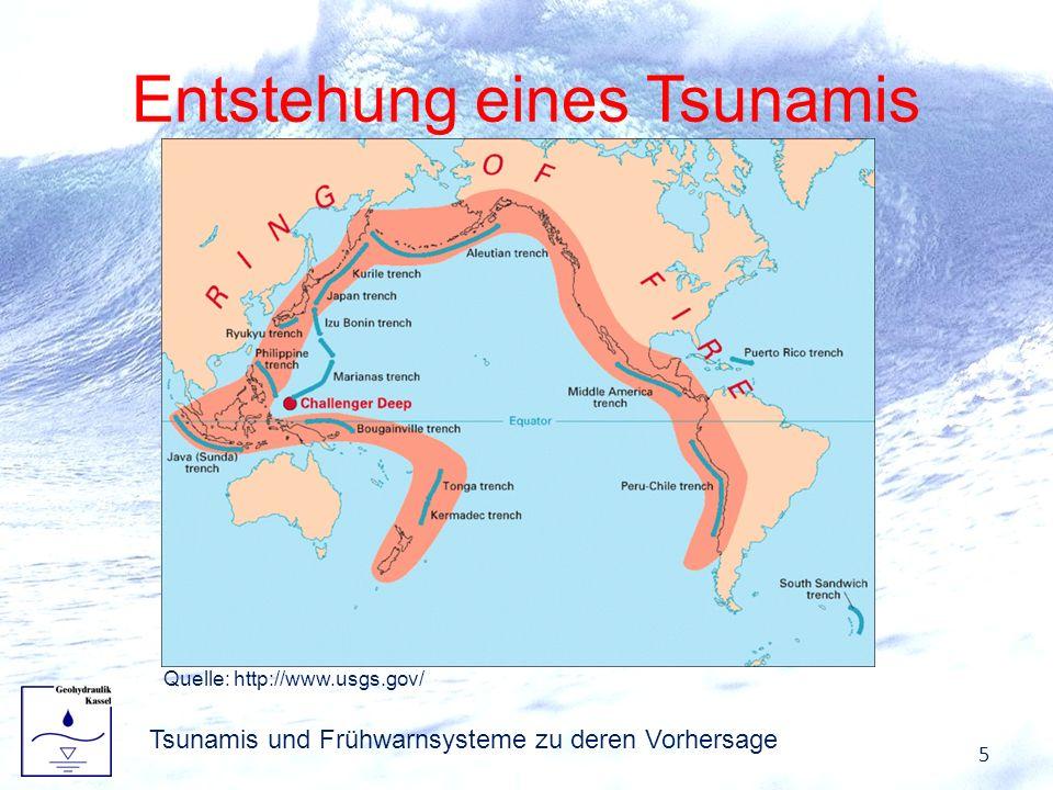 Entstehung eines Tsunamis Absenken oder Anheben der Wassermassen bewirkt Wellenfront Ausbreitung in alle Richtungen möglich Zumeist in zwei Richtungen, da Bruchkante vermehrt linienförmig Erdbeben kann Tsunami verursachen: –Mindestens Magnitude von 7 –Hypozentrum nahe Meeresboden –Vertikale Verschiebung des Meeresbodens 6 Tsunamis und Frühwarnsysteme zu deren Vorhersage