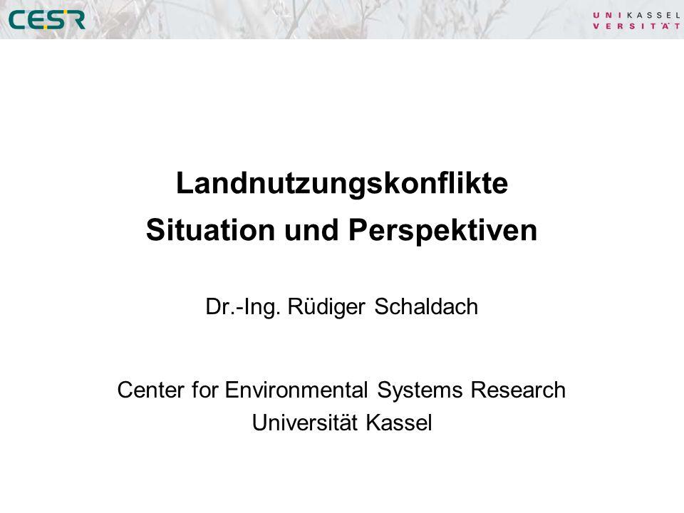 Gliederung 1.Ein systemwissenschaftlicher Ansatz zur Beschreibung und Analyse von Landnutzungskonflikten 2.Modelle von Landnutzungssystemen 3.Experiment: Landnutzungsänderungen in Brasilien und deren Auswirkungen auf die Kohlenstoffbilanz von Biokraftstoffen 4.Zusammenfassung