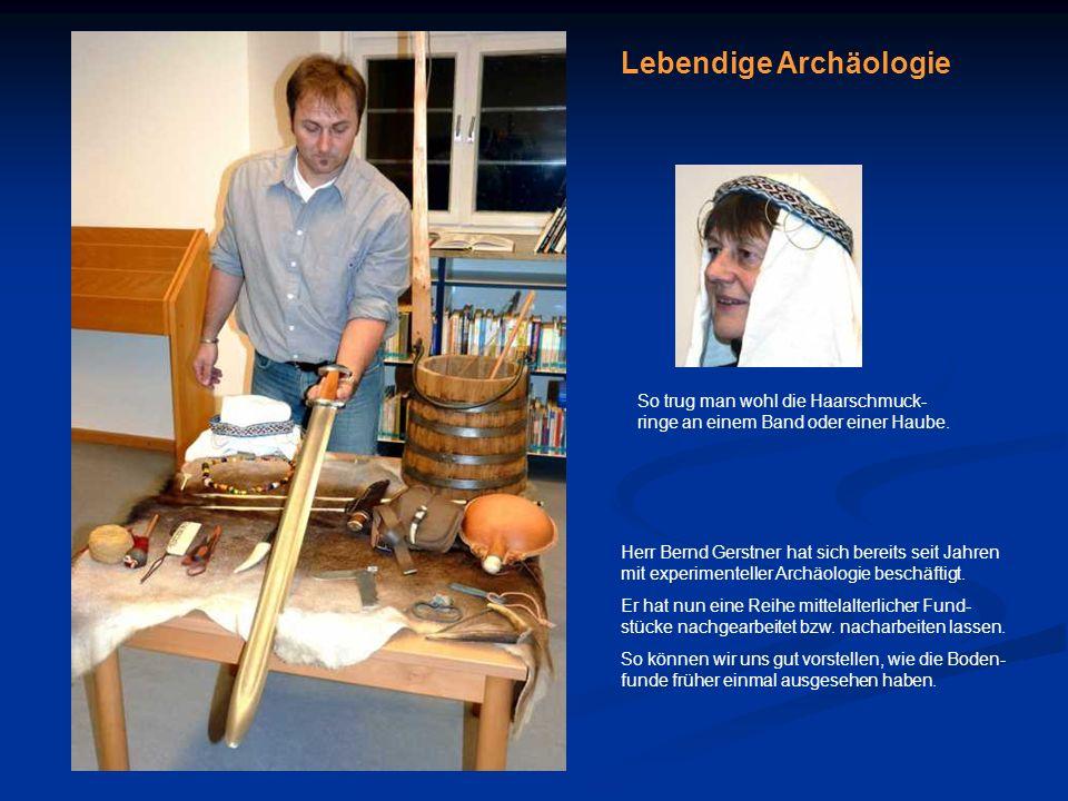 Fränkischer Edler mit Schwert (8. Jhdt.) Fresko in der Apsis der St. Benedikt-Kirche von Mals/Südtirol Lebendige Archäologie Herr Bernd Gerstner hat s