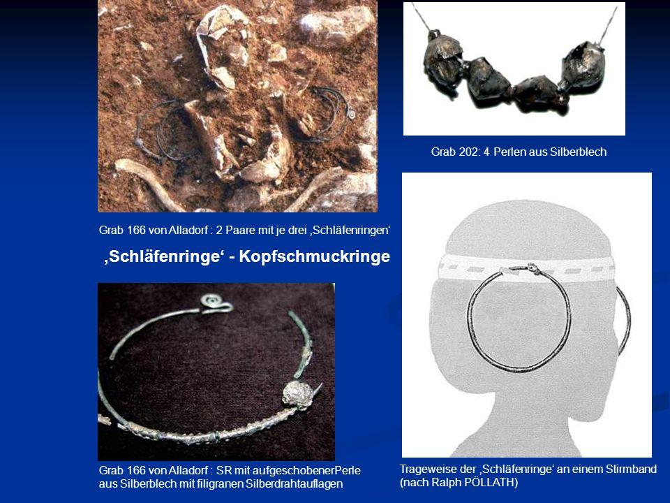 Grab 166 von Alladorf : SR mit aufgeschobenerPerle aus Silberblech mit filigranen Silberdrahtauflagen Grab 166 von Alladorf : 2 Paare mit je drei Schl