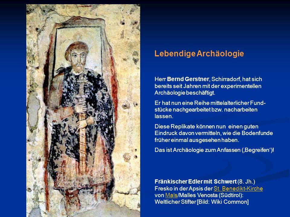 Fränkischer Edler mit Schwert (8. Jh.) Fresko in der Apsis der St. Benedikt-Kirche von Mals/Malles Venosta (Südtirol): Weltlicher Stifter [Bild: Wiki