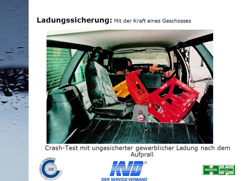 35 Ladungssicherung: Mit der Kraft eines Geschosses Crash-Test mit ungesicherter gewerblicher Ladung nach dem Aufprall