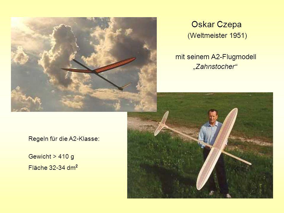 Oskar Czepa (Weltmeister 1951) mit seinem A2-Flugmodell Zahnstocher Regeln für die A2-Klasse: Gewicht > 410 g Fläche 32-34 dm 2