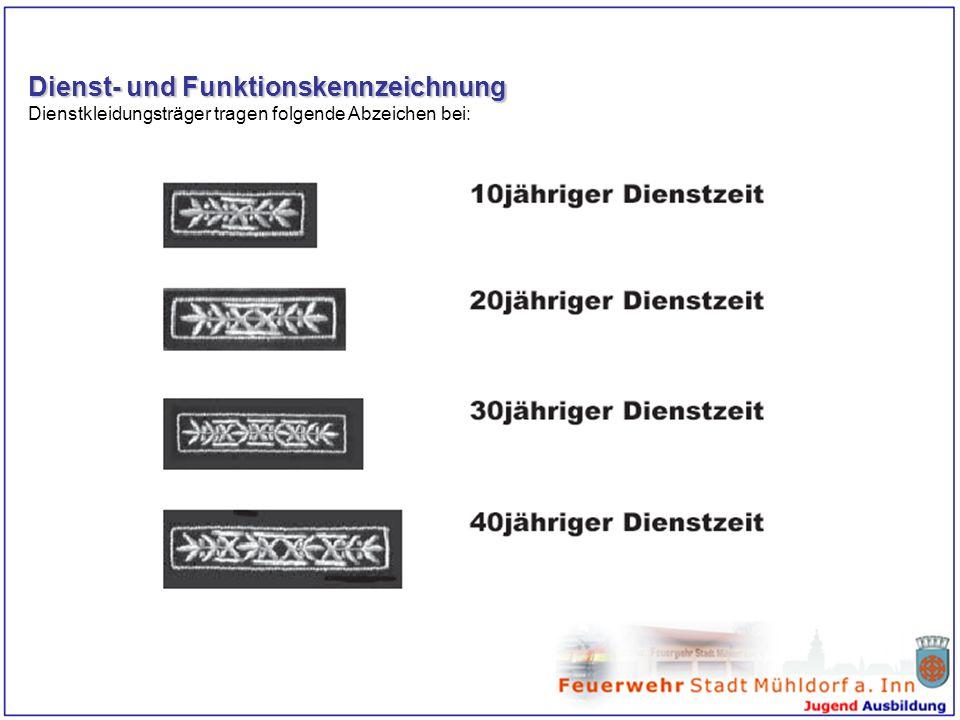 Dienst- und Funktionskennzeichnung Dienstkleidungsträger tragen folgende Abzeichen bei: