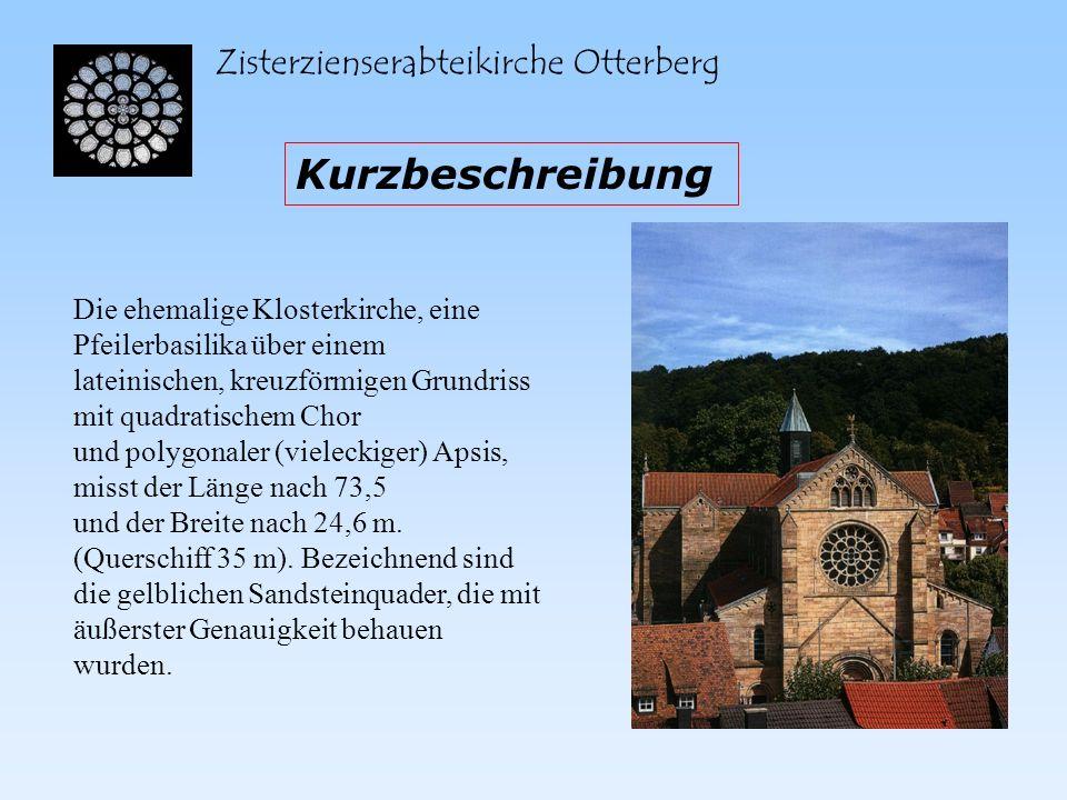 Zisterzienserabteikirche Otterberg Das dreieckige Querhaus und das Chorquadrat kreuzen sich unter der Fierung, wobei weiter östlich an der Apsis das Sanctuarum liegt und die Rundbögenzugänge zu den zerstörten Kapellen.