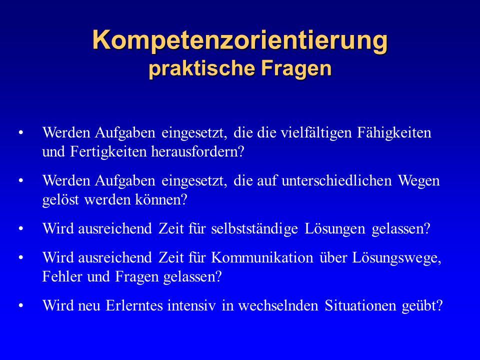 Auf dem Weg zum schulinternen Fachcurriculum Das Fachcurriculum kann umfassen: – Ziele (spezifische, übergreifende Kompetenzen) – Inhalte (Lern-, Lehrgegenstände) – Methoden (Mittel, Wege) – Organisationsformen (Struktur, Umfang, Intensität) – Evaluation (Kriterien, Diagnose, Leistungsbeurteilung) Grundlage: Lehrplan von Schleswig-Holstein