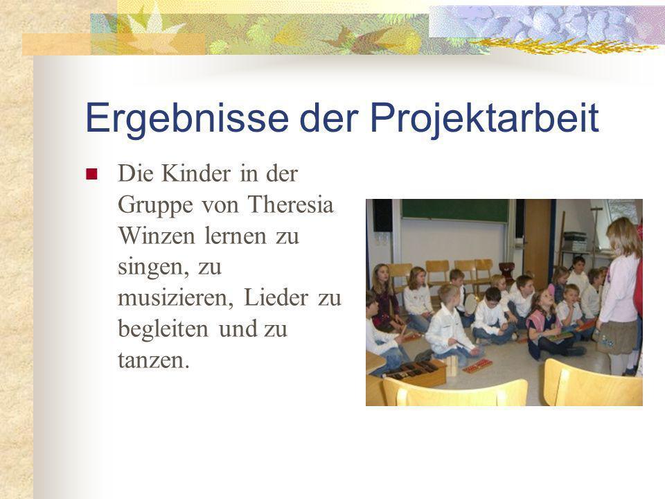 Ergebnisse der Projektarbeit Die Kinder in der Gruppe von Theresia Winzen lernen zu singen, zu musizieren, Lieder zu begleiten und zu tanzen.