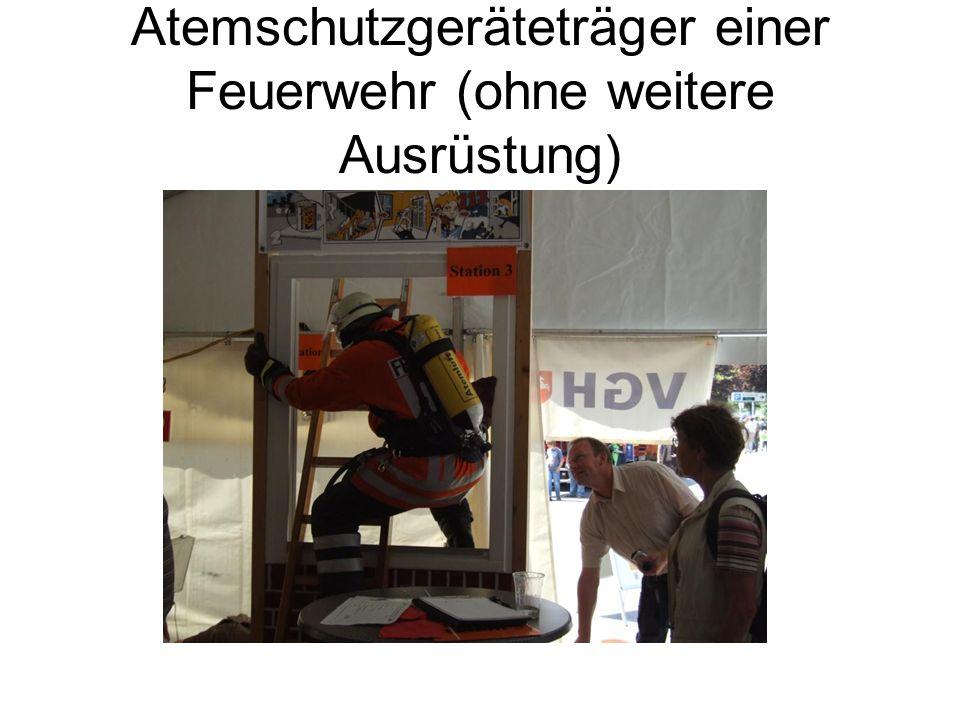 Atemschutzgeräteträger einer Feuerwehr (ohne weitere Ausrüstung)