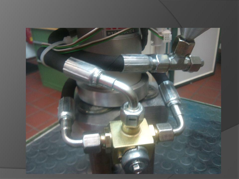 - 350 bar mit vierfacher Sicherheit - gepresste Schläuche - Umlenkhebel Hydraulikaufbau