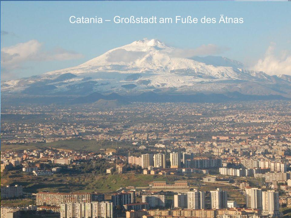 Neapel - Millionenmetropole am Fuße des Vesuvs Palermo – Millionenstadt auf Sizilien