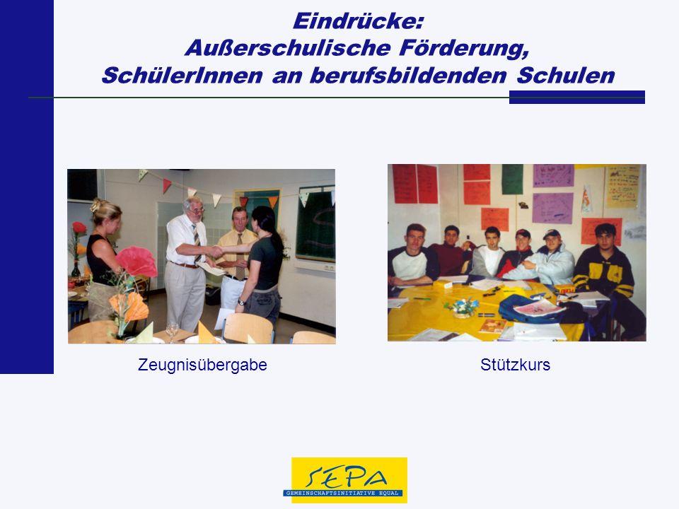 Eindrücke: Außerschulische Förderung, SchülerInnen an berufsbildenden Schulen ZeugnisübergabeStützkurs