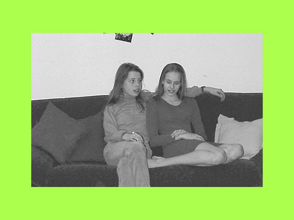Möglich- Beispiele aus einer Diplomarbeit über die Möglich- keiten der Digitalfotografie keiten der Digitalfotografie in der pädagogischen Arbeit mit 12-jährigen Mädchen in einer Offenen Tür (Diplomarbeit Monika Pelzer).
