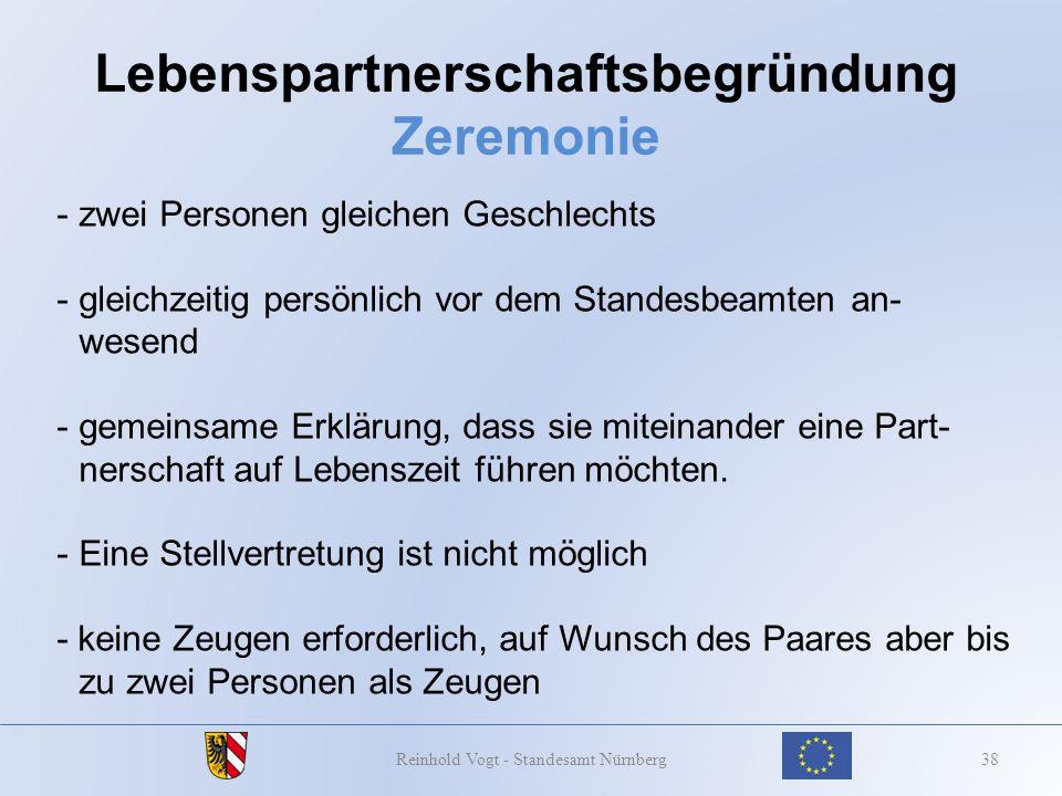 Lebenspartnerschaftsbegründung Zeremonie 38Reinhold Vogt - Standesamt Nürnberg - zwei Personen gleichen Geschlechts -gleichzeitig persönlich vor dem S