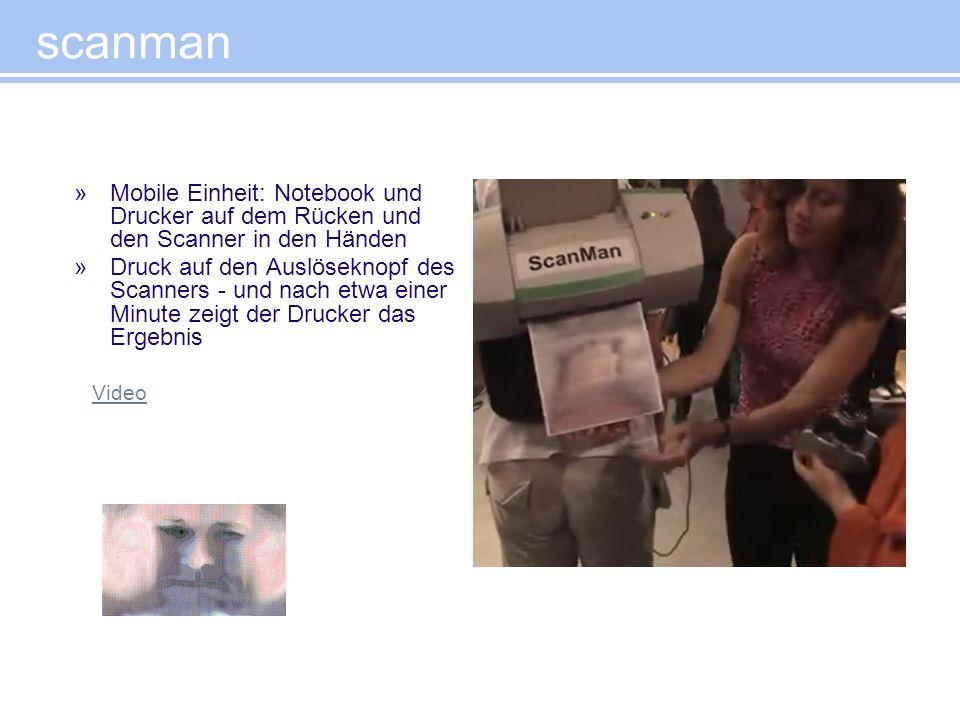 scanman »Mobile Einheit: Notebook und Drucker auf dem Rücken und den Scanner in den Händen »Druck auf den Auslöseknopf des Scanners - und nach etwa ei