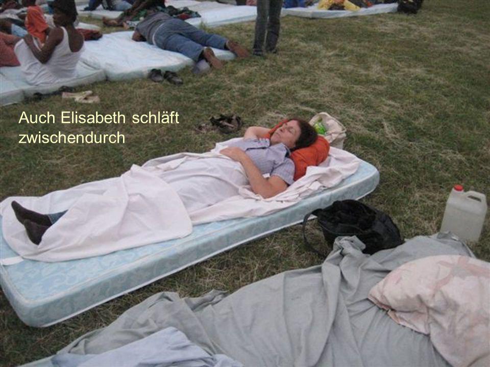 Auch Elisabeth schläft zwischendurch