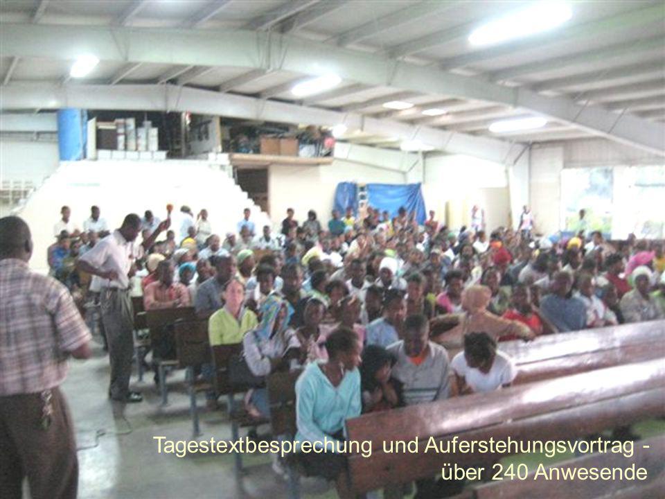 Tagestextbesprechung und Auferstehungsvortrag - über 240 Anwesende