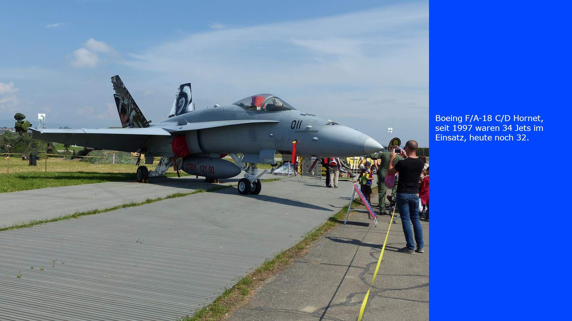 Boeing F/A-18 C/D Hornet, seit 1997 waren 34 Jets im Einsatz, heute noch 32.