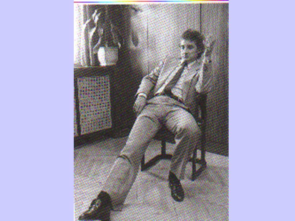Die Körpersprache bei der Bewerbung Eintreten Blickkontakt Begrüßung/ Der Handschlag Sitzhaltung Aufstehen/ Setzen Verabschiedung Der Gang