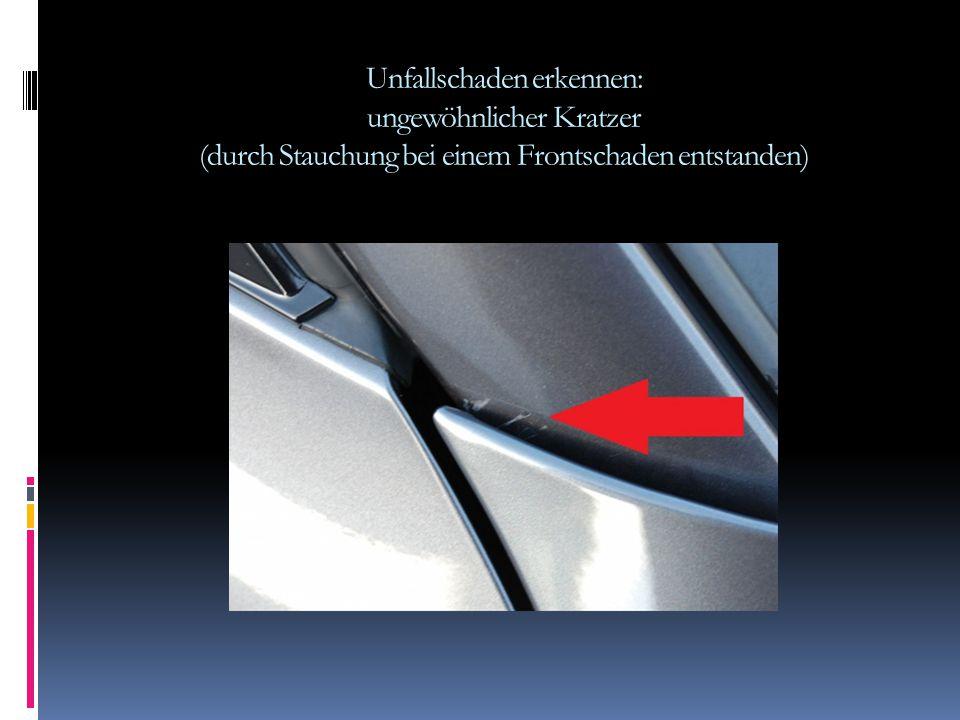 Unfallschaden erkennen: Kleberand am PDC Sensor wegen einer Nachlackierung erkennbar